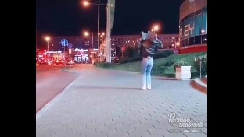 Девушка прячется в мусорный пакет 5 4 2020 Ростов на Дону Главный