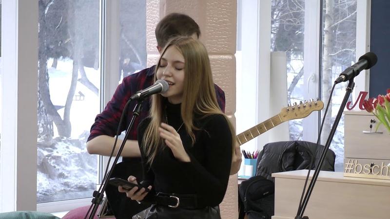 Алекс и Анна, кавер GLEE - I Kissed A Girl