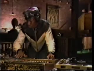 HOW TO DO A BREAK MIX BY GRANDMASTER FLASH, 1983
