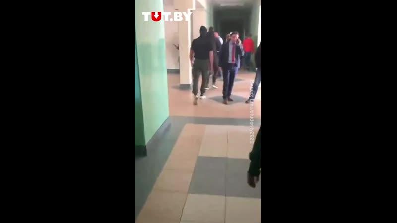 Территорию БГТУ патрулируют неизвестные в балаклавах 28 октября