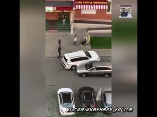 Москвичи около четырёх часов не пускали пьяного водителя за руль