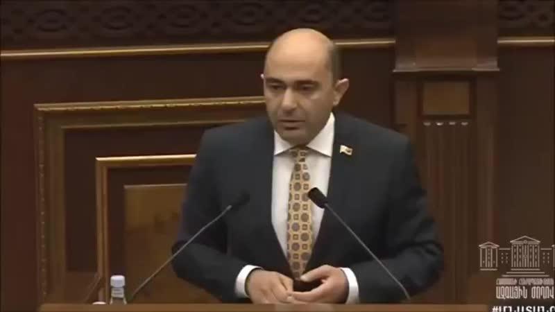 ️ VIDEO CHOC Arménie Une bagarre générale a eut lieu aujourdhui au parlement arménien à Erevan..mp4