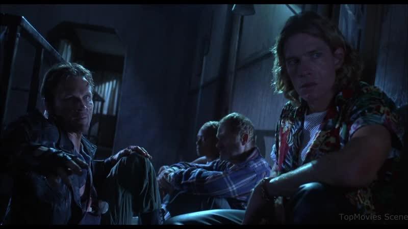 Брейкер рассказывает историю о 7 ключах Байки из склепа Демон ночи 1995 Момент из фильма
