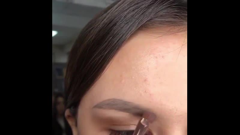 Красивое оформление бровей
