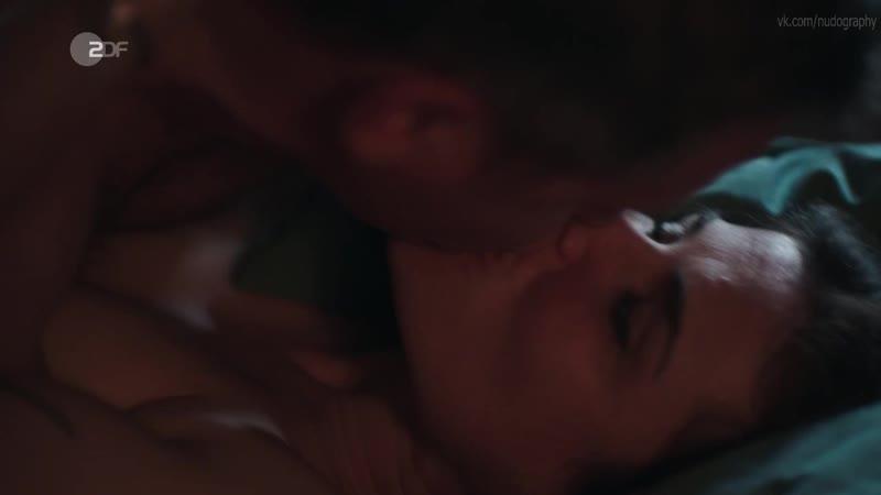 Катарина Вакернагель (Katharina Wackernagel) голая в сериале Штральзунд (Stralsund, 2019) s01e15 HD 720p
