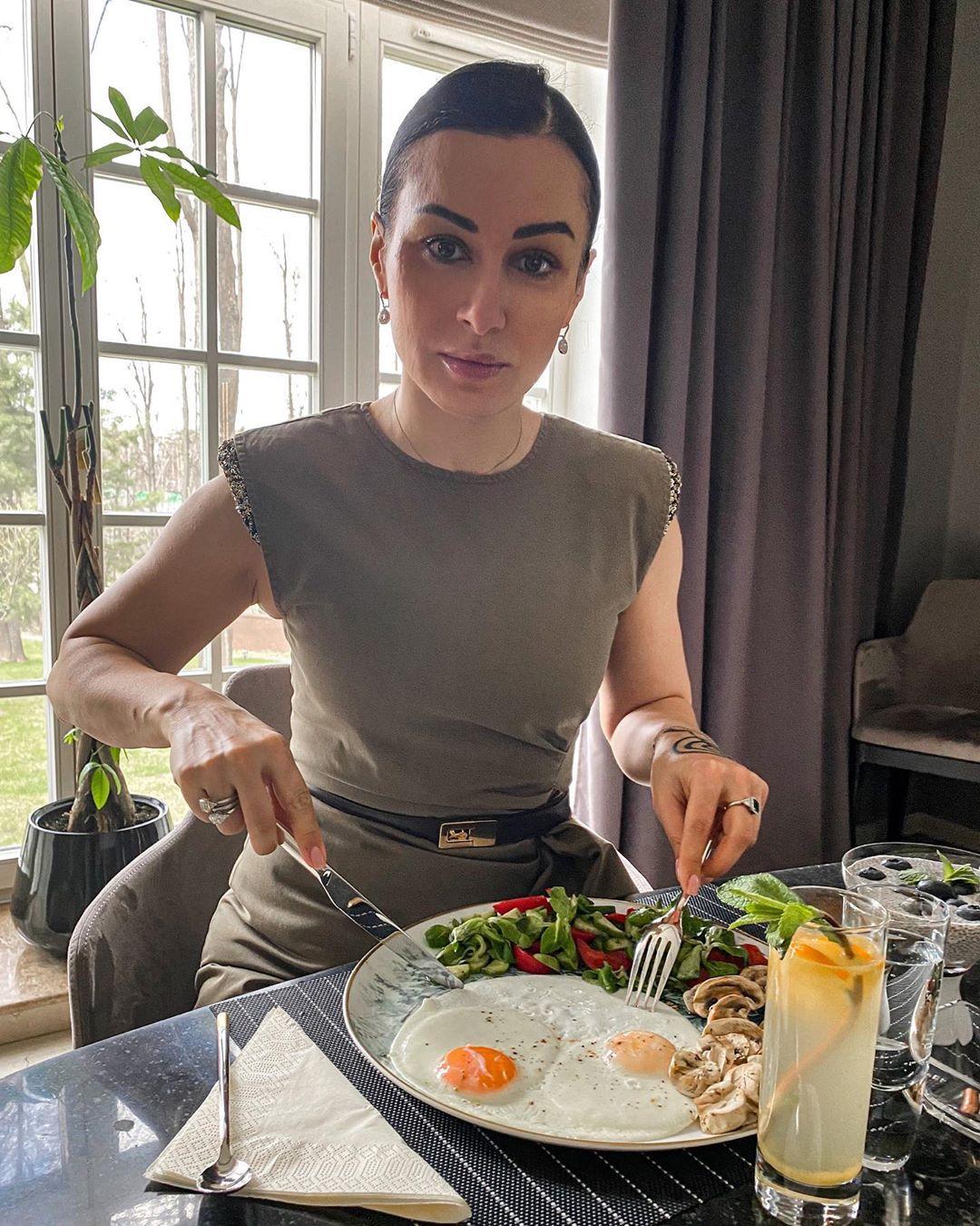 Тина Канделаки выглядит шикарно в свои 44 года