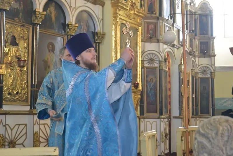 Накануне светлого праздника Пасхи благочинный Петровского округа иерей Сергий ПРОТАСОВ обратился к прихожанам