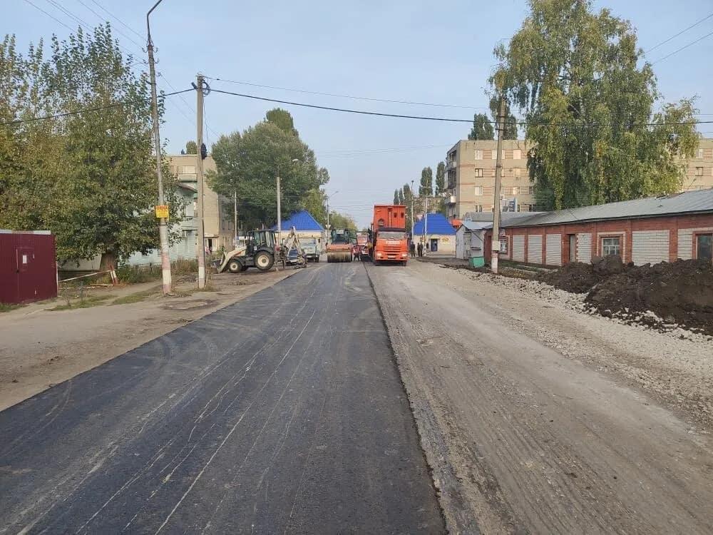 Сегодня в Петровске на улице Братьев Костериных до 17.00 будет ограничено движение транспорта. Водителей просят выбирать альтернативные пути движения
