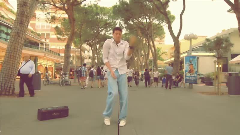 Fabri fibra crookers litaliano balla Фабри Фибра Итальянцы плохо танцуют