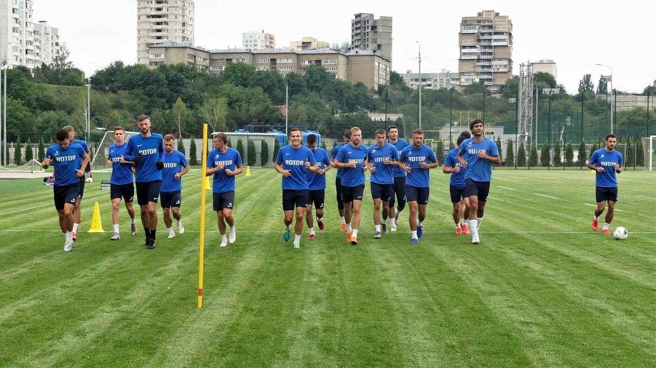 «Ротор» провел первую тренировку в Кисловодске