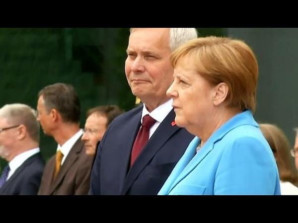 Angela Merkel Erneuter Zitteranfall