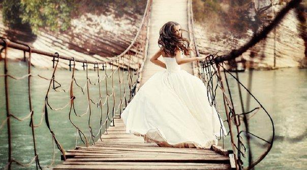 Самое непростое в жизни  понять, какой мост следует перейти, а какой сжечь.