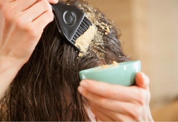 Как правильно наносить домашние маски для волос.