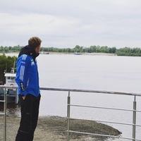 Олег Захаров