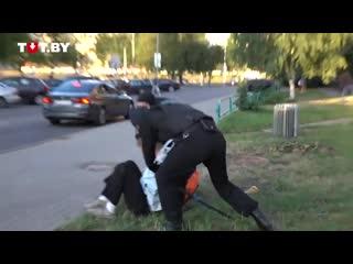 В Минске двое ОМОНовцев связали 15-летнего парня