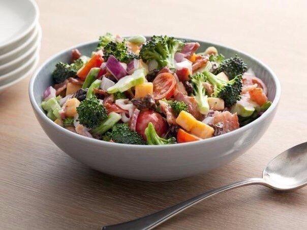 Крутая подборка очень полезных и низкокалорийных салатов