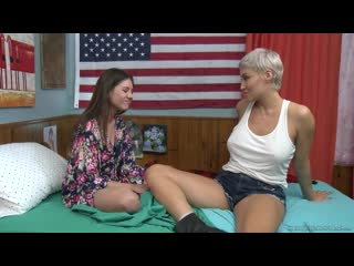 Ryan Keely and Shyla Jennings [Lesbian]