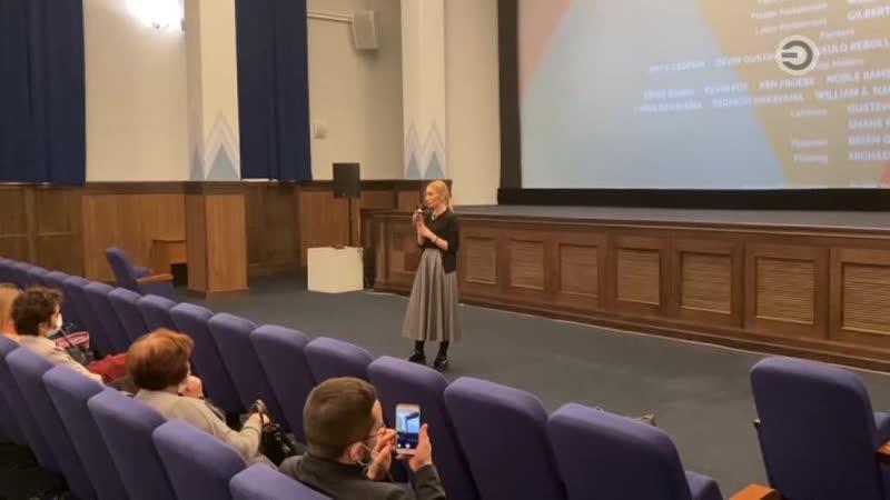 Школа для всех режиссерский дебют певицы SIA и свободный микрофон по теме инклюзии
