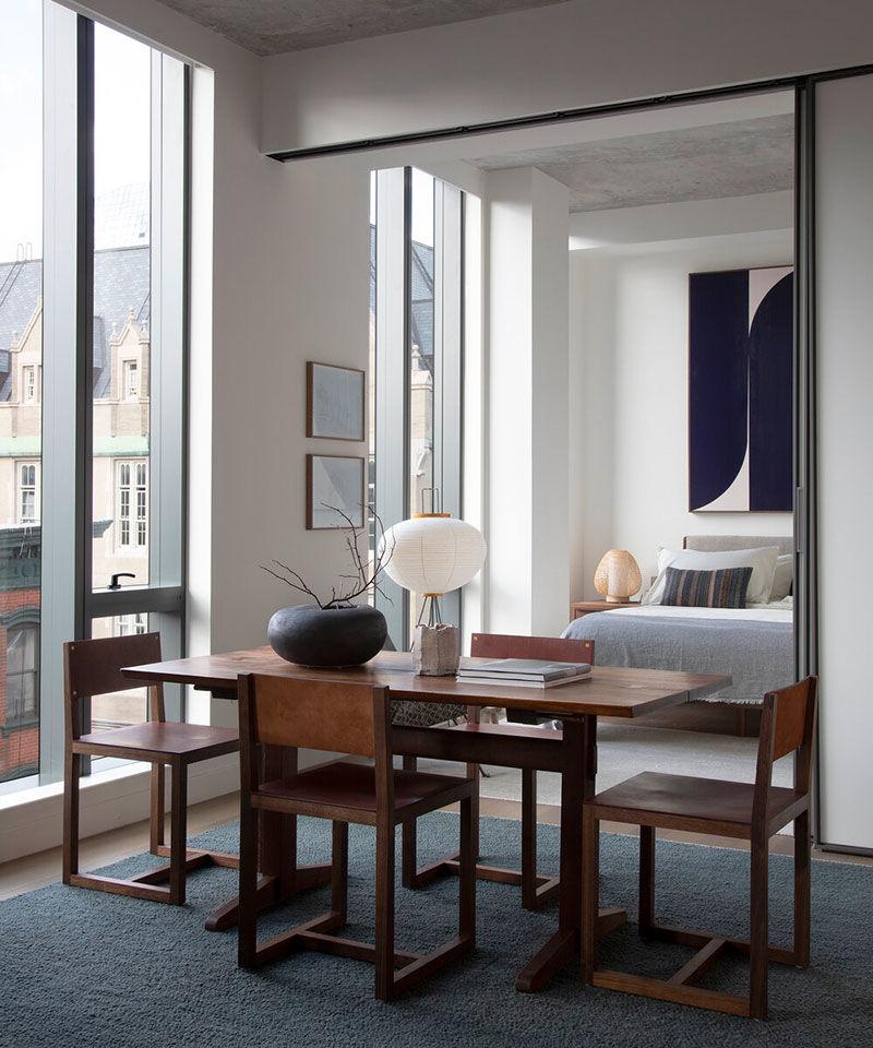 Современный интерьер холостяка с нотками японского модернизма в Нью-Йорке