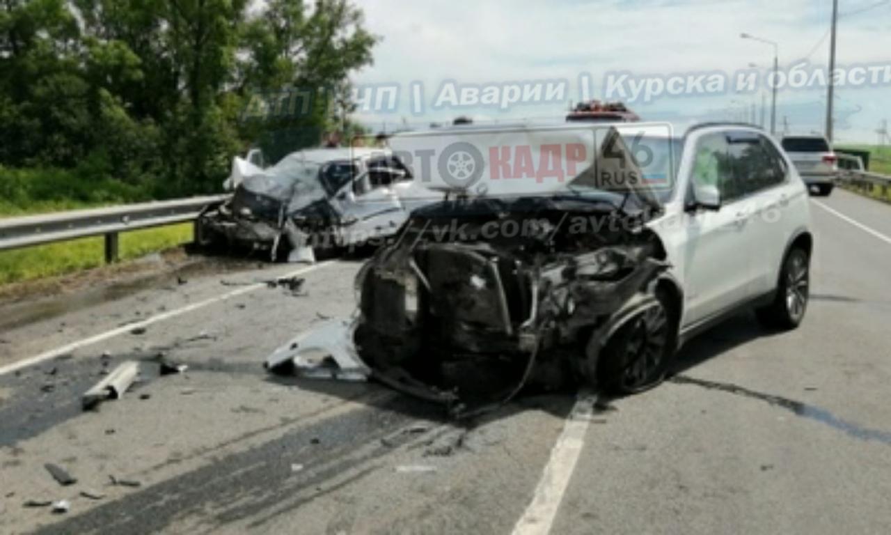 Скончался пострадавший в столкновении BMW и ВАЗа мужчина