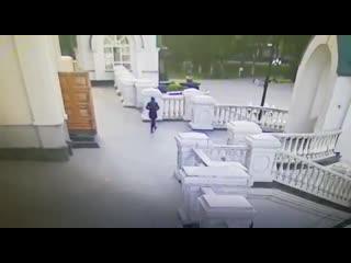 Женщина подбросила ребенка в храм. Воронеж.
