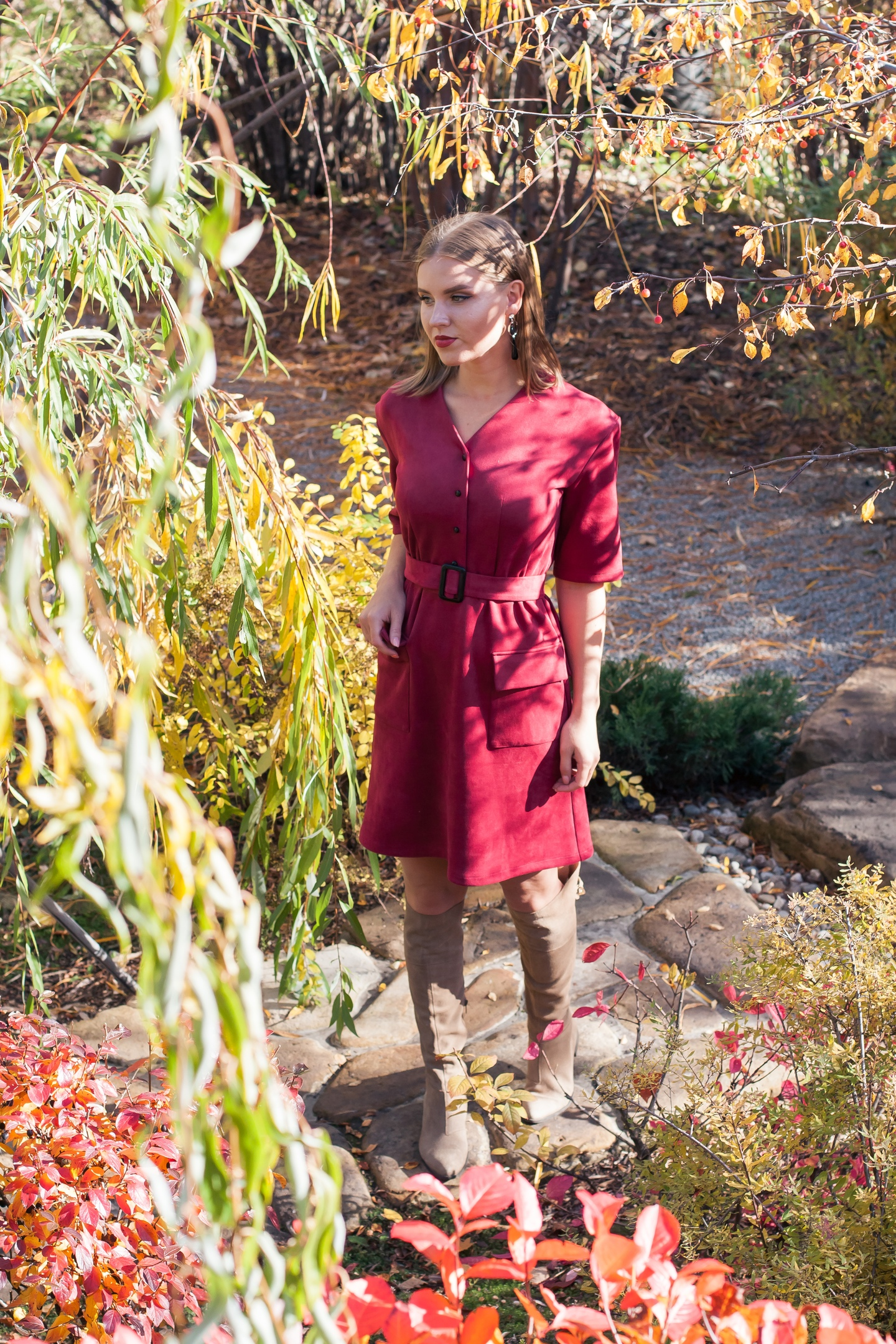 Дайте девушке правильное красное платье и она покорит в нем весь мир!