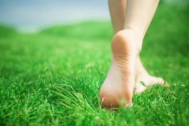 Организм человека начинает стареть с ног!