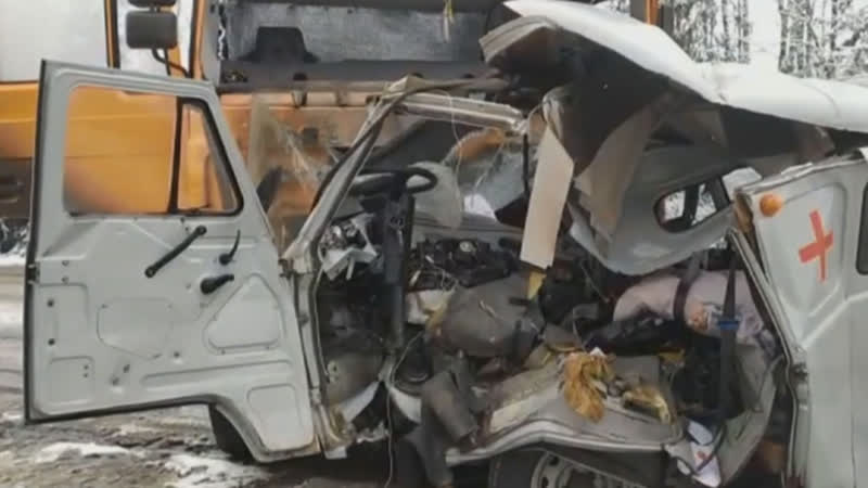 В ДТП с машиной скорой помощи погибли три человека