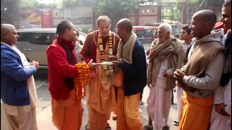 Встреча Е С Шачинандана Свами в храме ИСККОН г Дели Индия 6 декабря 2019г
