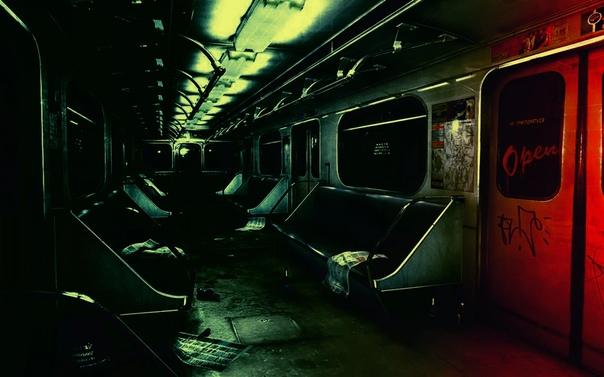 В метро Я раньше часто в метро ездила ночью, но перестала после одного случая. Однажды я возвращалась с Рижской мне нужно было ехать до Полежаевской. А на Полежаевской есть платформа