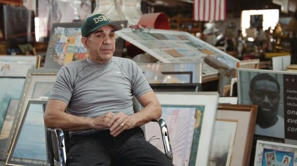 Коллекция из 45 000 вещей, выуженных из помоек Бывший санитарный работник, а нынче пенсионер Нельсон Молина в течение 34 лет копался в различном мусоре Нью-Йорка и в результате собрал огромную