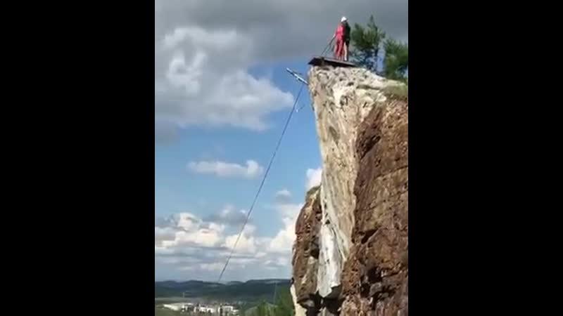 Oleg mongol prydzok glubinoy 120 metrov