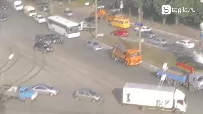 ДТП в Нижнем Тагиле на пересечении ул Юности и Восточного шоссе