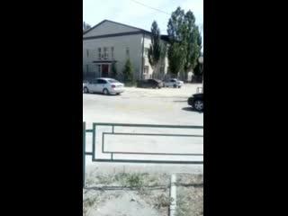 В Челябинской области дальнобойщики выстроились в кортеж на свадьбу друга