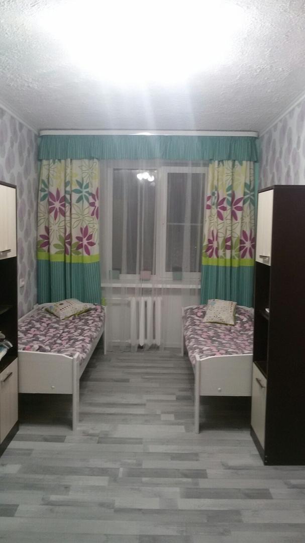 Такой вот получился бюджетный ремонт. Что бы вы изменили в этой комнате?