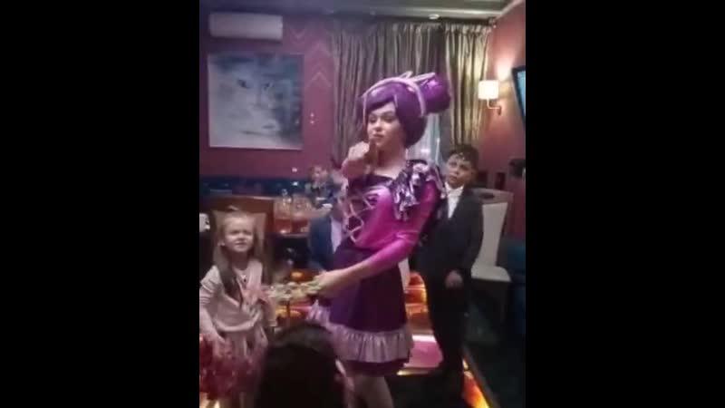 няня для детей на взрослом празднике