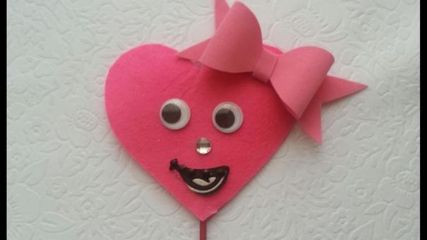 Скоро день Святого Валентина предлагаем вам идею поделок из цветной бумаги, которые вы сможете смастерить вместе с детками Для реализации поделок вам понадобятся: канцелярские ножницы, клей,