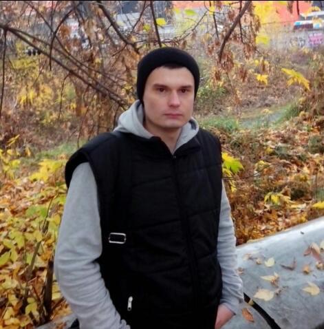 Всем привет,я Александр,32,проживаю в Москве (ЮАО) кому интересен о себе расскажу в личке