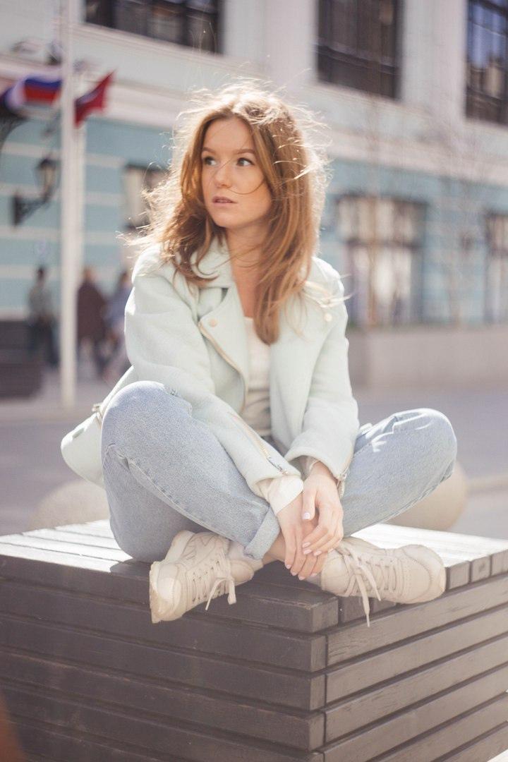Фото подборка с актрисой Полиной Филоненко.