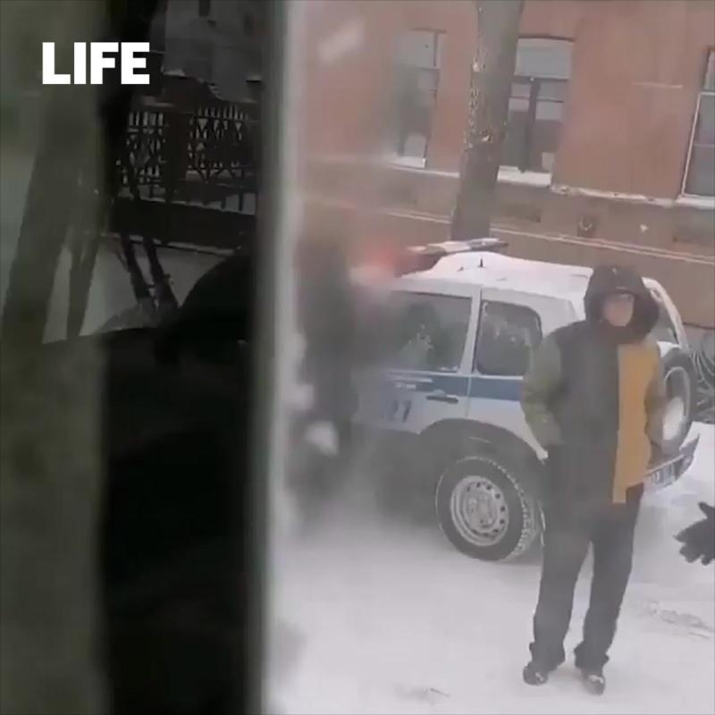 Автобусы и легковушки поцеловались в День жестянщика в Хабаровске