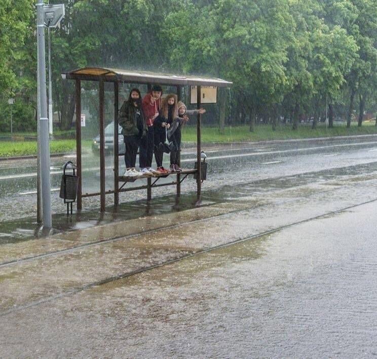 Сегодня Москва окажется в центре активного циклона, который принесет с собой «суперливень»