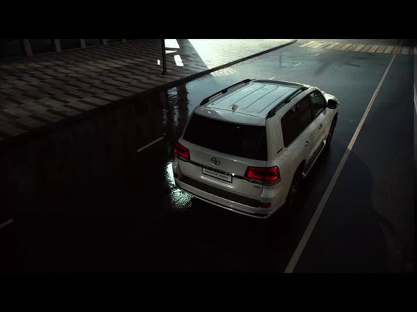 Специальная серия Toyota Land Cruiser 200 Executive Lounge