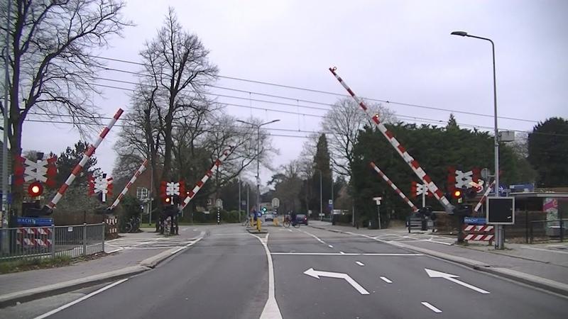 Spoorwegovergang Hilversum Sportpark Dutch railroad crossing
