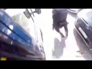 В городе Твери полицейские задержали подозреваемых в серии разбойных нападений