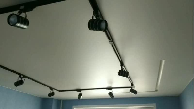 SLOTT и трековые светильники.