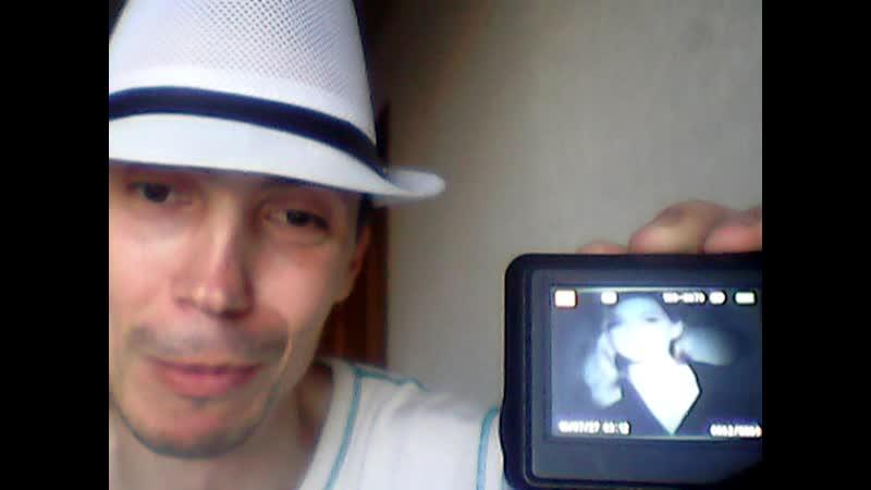Дима Грицюк видео блогер сыграл на виртуальной пианино Реальная жизнь певицы Веры Брежневой для Сони Киперман
