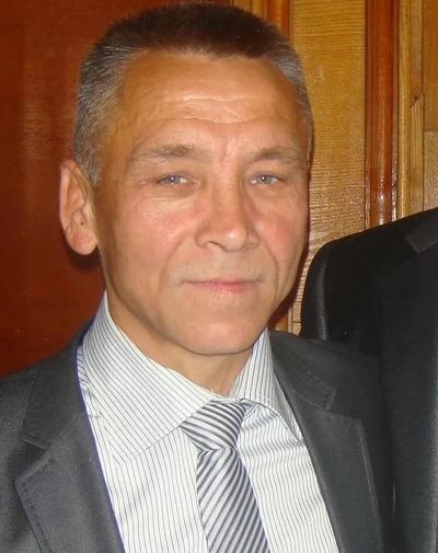 Олег, 60, Perm
