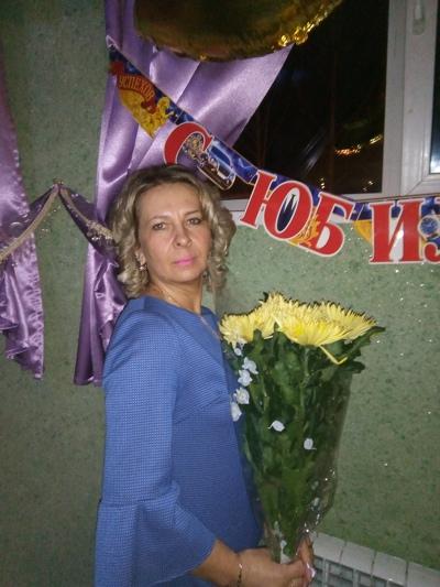 Ирина, 47, Sarapul