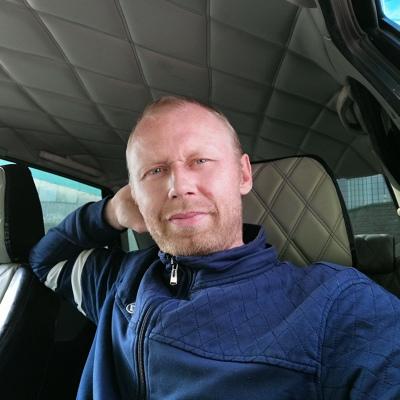 Андрей, 39, Malinovka