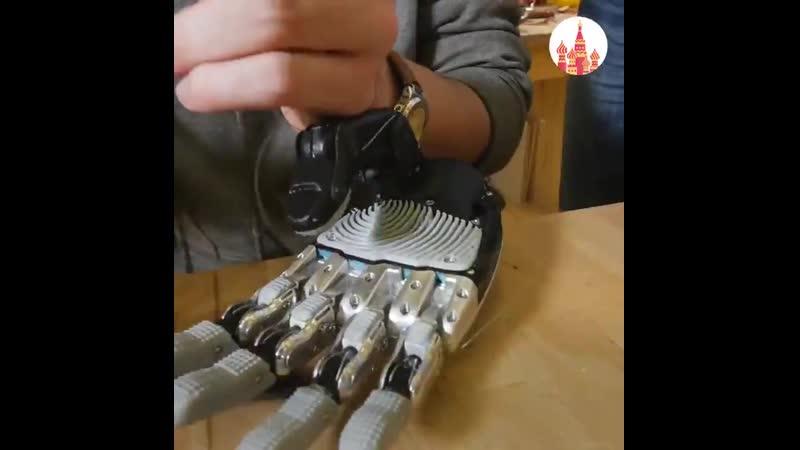 Российский инженер с инвалидностью создал качественный и дешёвый аналог зарубежных бионических протезов